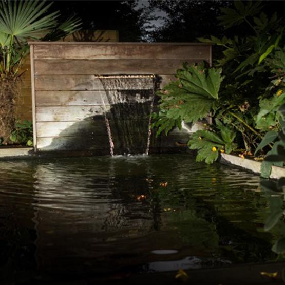 Cascade de jardin et fontaines les jardins de la vall e for Brumisateur bassin exterieur
