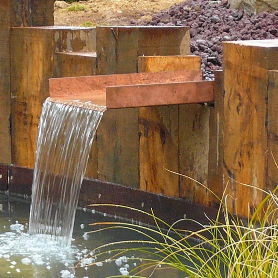 cascade de jardin et fontaines les jardins de la vall e. Black Bedroom Furniture Sets. Home Design Ideas
