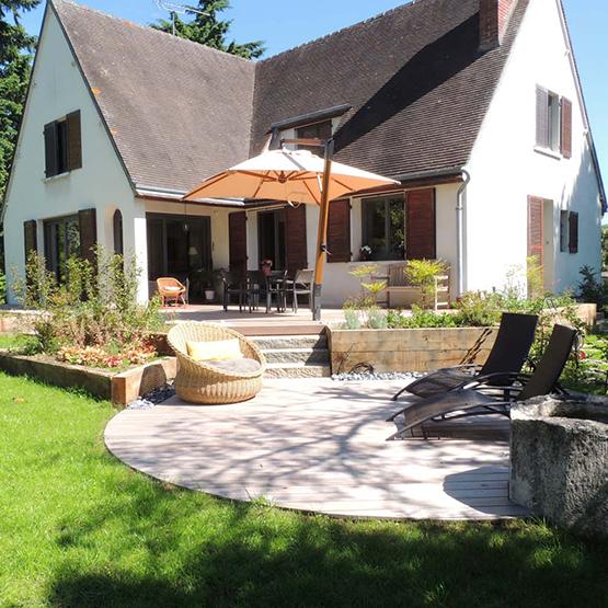 Muret jardin nos solutions les jardins de la vall e for Muret bois jardin