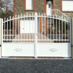 portail-maison-blanc