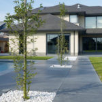 terrasse-pierre-maison-moderne